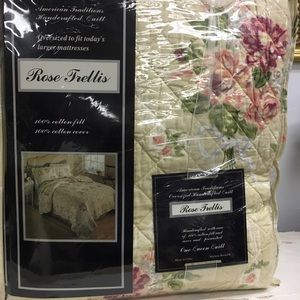 Other - Queen Quilt - Country Chic Rose Flower Summer